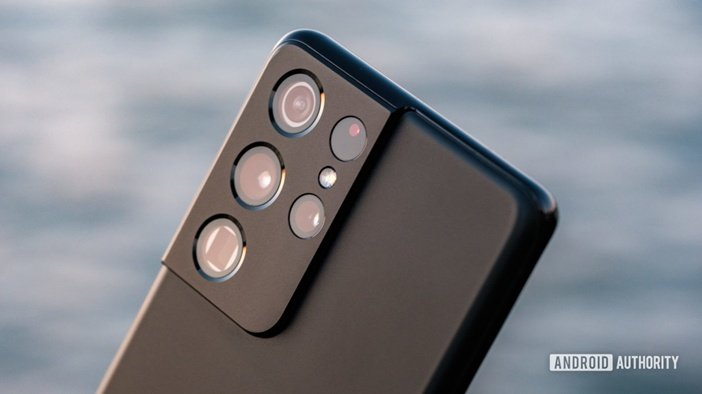 Блок камер S21 Ultra крупным планом