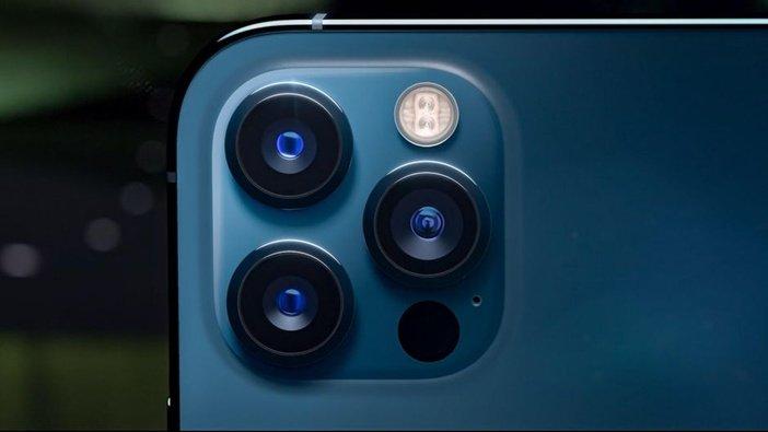 Блок камер iPhone 12 Pro включает три камеры и LiDAR