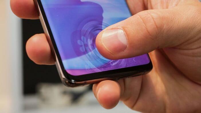 Galaxy S10 эффект сканера отпечатков в дисплее