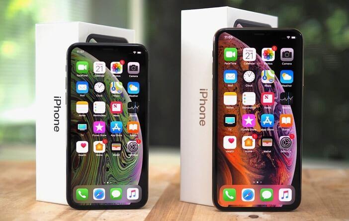 iPhone XS и XS Max бок о бок