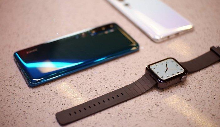 Mi Watch рядом со смартфонами Xiaomi