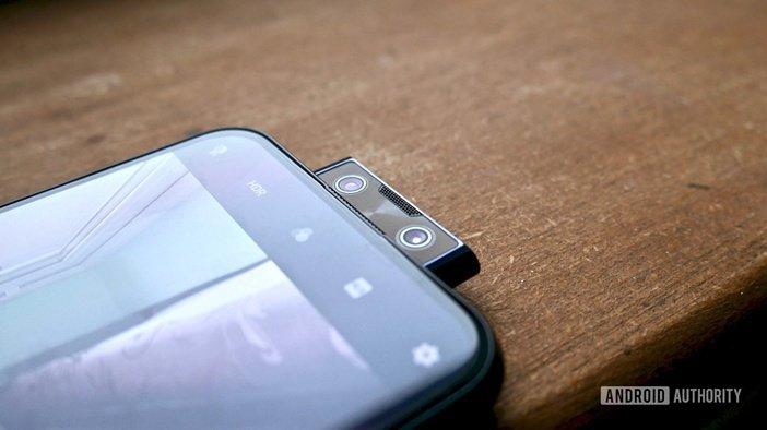 Двойная селфи камера в Vivo V17 Pro