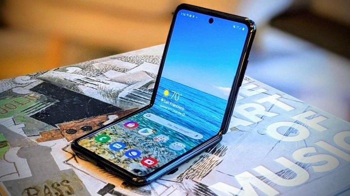 Galaxy Z Flip - второй смартфон производителя с гибким экраном