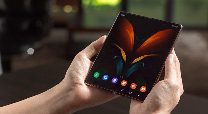 Складной смартфон Samsung Galaxy Z Fold 2