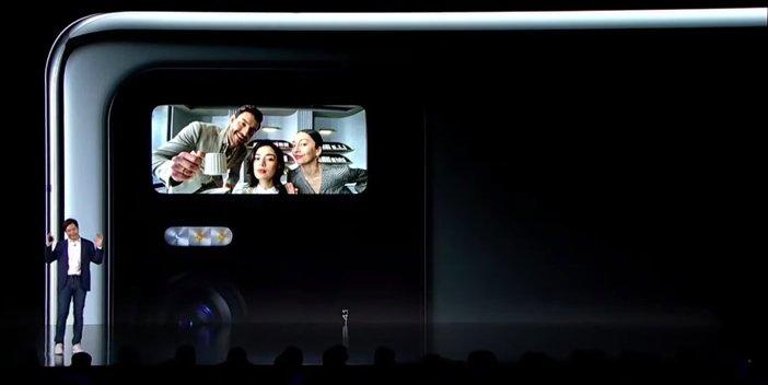 Второй экран в Mi 11 Ultra крупным планом