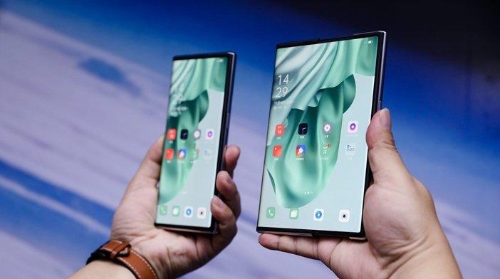 Растягивание Oppo X 2021 из смартфона в планшет