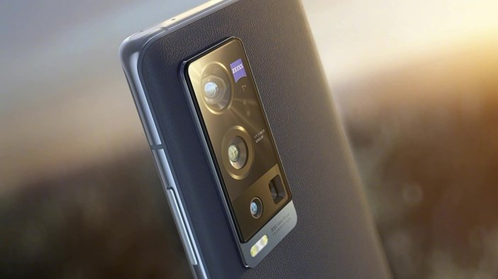 Камера Zeiss в Vivo X60 Pro+ крупным планом
