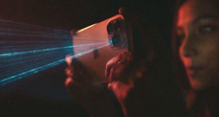 Сканер LiDAR в iPhone 12 Pro в действии