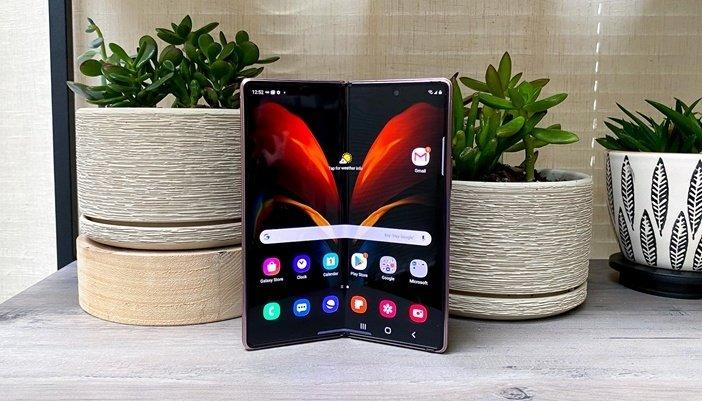 Внутренний гибкий экран Galaxy Z Fold 2